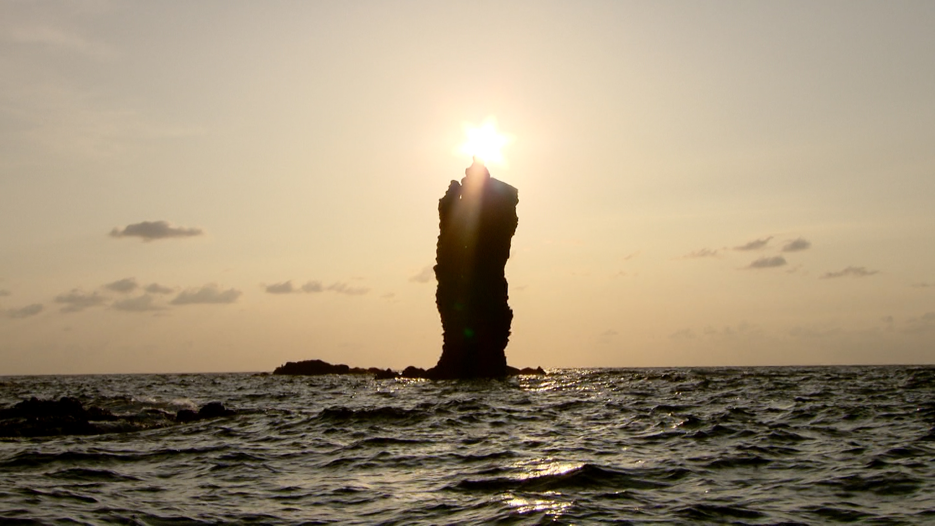 #016ローソク島遊覧船002